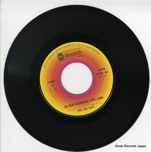 THREE DOG NIGHT an old fashioned love song YK-881-AB - disc