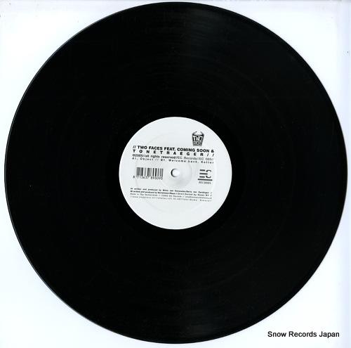 COMING SOON / TONETRAEGER two face feat. coming soon & tonetraeger EC065 - disc
