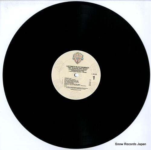 LADYSMITH BLACK MAMBAZO two world one heart 926125-1 - disc