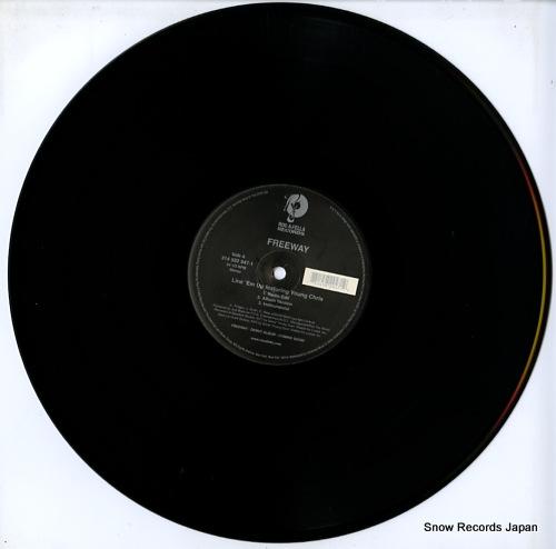 FREEWAY line 'em up / roc the mic (remix) 314582947-1 - disc
