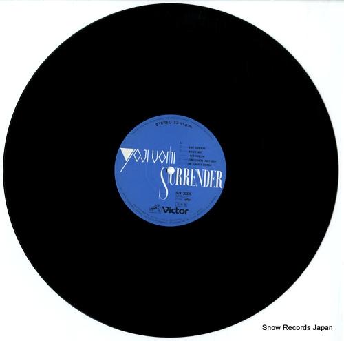 UOMI, YOJI surrender SJX-30335 - disc