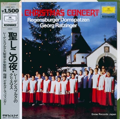 REGENSBURGER DOMSPATZEN christmas concert 15MG3071 - front cover